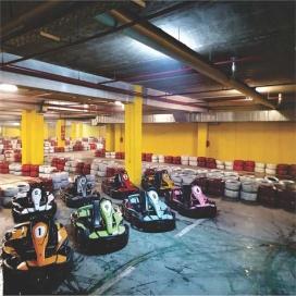 Svečano otvorenje najveće zatvorene karting arene u suterenu Bingo HM Stup (bivši Merkur)